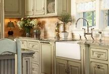 Kitchens / by Celeste Crismore