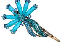 Jewelry - Brooches & Pins / by Mary Beehner