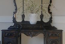 Antiques / by Dianna Lindahl