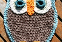 Crochet Owls & Crafty Owls. / My best friend is really in to owls because of Harry Potter. I started this board to find a pattern to make one for her. Now, pinning crochet owls is my obsession. / by Beth Hibbard