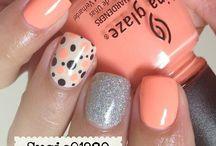 Nails / by Elyse Vergez