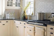 Kitchens / by Allison Hand