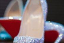 _Shoes / by Bruna Florencio