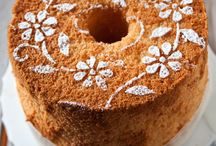 Cakes - Torte - Cupcakes - Crostate / Great cake recipes in English and some in Italian! / by Maria D'Alessandro