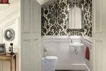 Bathrooms / by Elena Lobur