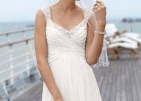 wedding stuff :) / by Alexa Lee-garzini
