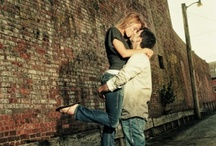 Engagement Photo Ideas / by Samantha Quirk