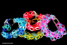 RAINBOW LOOM TUTORIALS / How to use rainbow loom  / by Robin Carlson