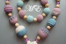 Yarn and needle crafts / di Candi Rothlisberger