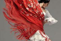 Fashionista / by Chelsea Buettner