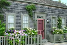 Cottages & Small Spaces / by Patty Gerker