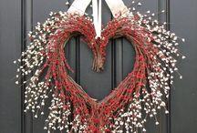 Wreaths / by Reda Johnson