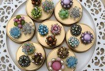 Repurposed Vintage Jewelry / repurposed vintage jewelry / by Emi Watanabe