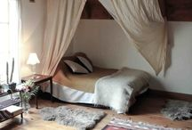 Bedrooms / by Patricia Iglesias