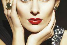 Face Forward / by Classy Fashions