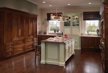 Traditional Kitchens / You can never go wrong with the opulent warmth of a traditional kitchen! Shop for affordable traditional kitchen cabinets to recreate your favorite kitchen at www.stockcabinetexpress.com! / by StockCabinetExpress