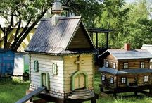 Chicken Coops and Bee Hives / by Melissa Etto