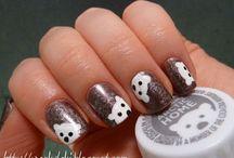 nail polish / by Krista Helmuth
