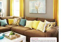 Living Room Ideas / by Miranda Daignault