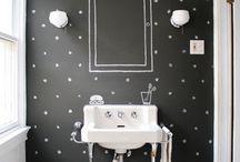 a tiny little bathroom... / by Mary Pullias Henderson