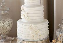 CAKES I LOVE / by Kym Ales