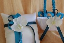 wedding ideas / by Melissa Galbadores
