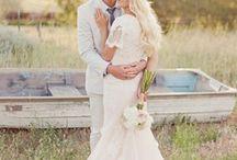 Wedding   Dress / by Meredith Bianca