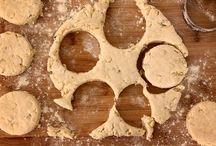 Food - Breads, Scones, & Muffins / by Kara H