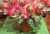 CAKE POPS  / by Tina Smith