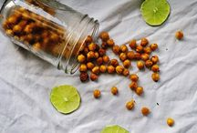 Snacks (to try) / by Cassandra Postma