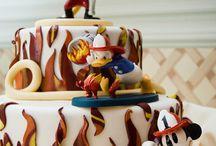 fun desserts / by Robin Molberg