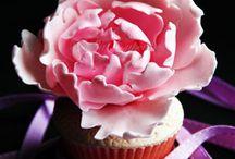 cupcakes / by Monique D'Alimonte