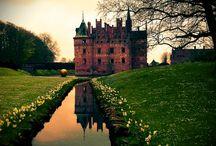 Castles...Chapels....etc. / by Rachel Dean a.k.a. Queen Rachie .