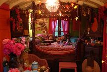 Gypsy Wagons / by Diana Blackstone