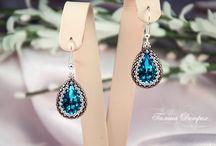 Beaded earrings / by Elza Bester DeJager