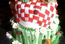 cake ideas / by Tyra Long