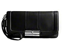 Womens Wristlet Handbags / by Karie Eady
