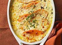 Thanksgiving Dinner Menu Ideas / Our final Thanksgiving menu! Thanksgiving dinner recipes, side dish recipes, stuffing recipes and pie recipes / by Kristin Bustamante