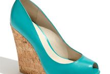 Girls Love Shoes / Who doesn't love shoes? Size 9.5 please. / by Laura Colon