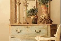 Muebles / by Gloria Fernandez del villar
