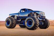 Trucks / Trucks / by Martin Aguilar