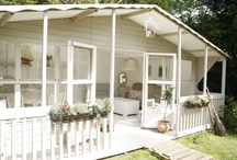 Beach Cottages & Decor / by Deb Gifford