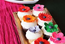 cupcakes / by Diane Bacon