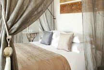 Decoration Bedrooms / #bedroom, #bed, #headboard, #furniture, #decor, #interior / by Pascale De Groof