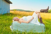 Photography Ideas: Maternity / by Brittany Stone
