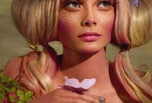 Make-up / by Roxana Tirla