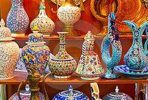 """""""cerâmicas do mundo"""" / cêramica, porcelana, vidro, xícaras, bules, pratos, vasos, jarros, pratos, canecas, enfeites antigos e atuais / by Damiria Machado"""