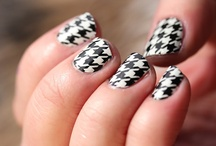 Getting my nails did / Nail art  / by Marcella Gutierrez