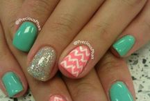 Nails / by Laura Hecht-Fibke