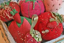 Pincushions and other small treats / by Nati's Little Things